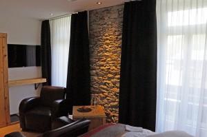 Restaurierte Bruchsteinmauer im Hotel TheDom