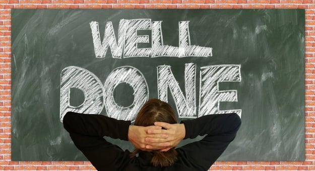Eine abgeschlossene Ausbildung ist eine gute Basis für die berufliche Zukunft. Bild: geralt/pixabay