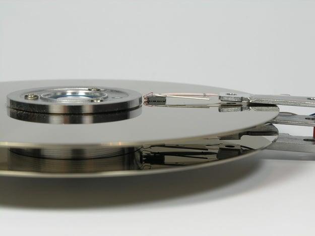 Die Mechanik der Harddisk ist nicht verschleißfrei. Bild: pixabay/pixel73